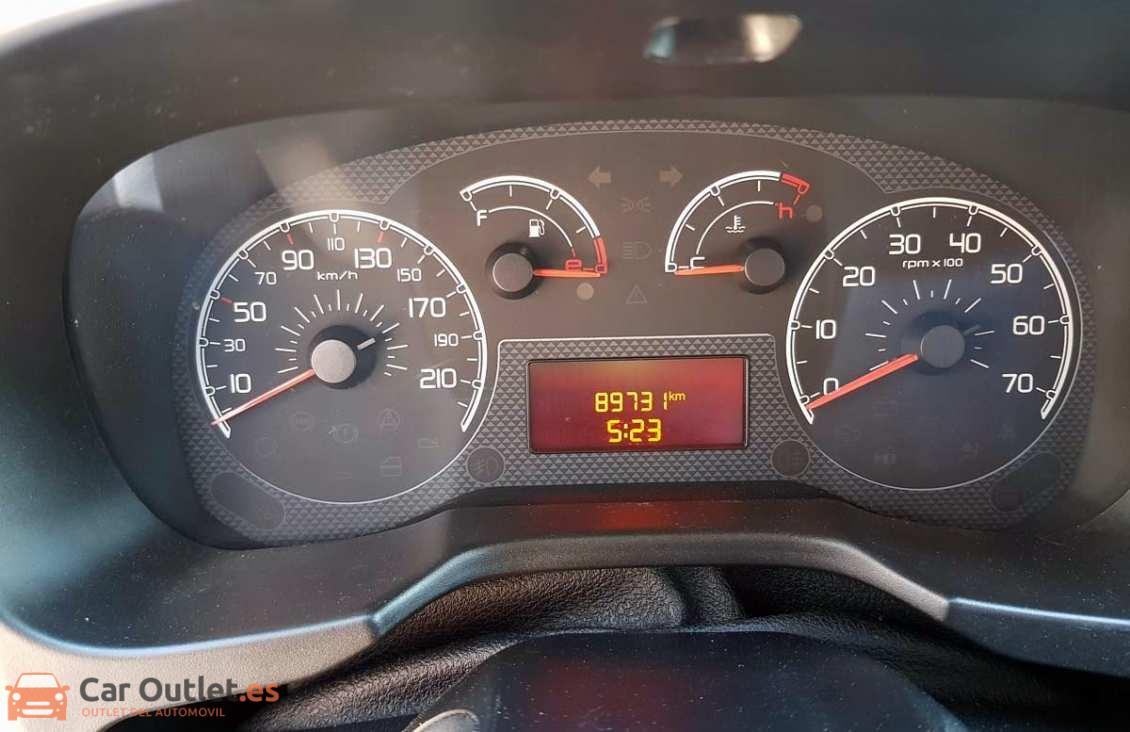 11 - Fiat Fiorino 2014