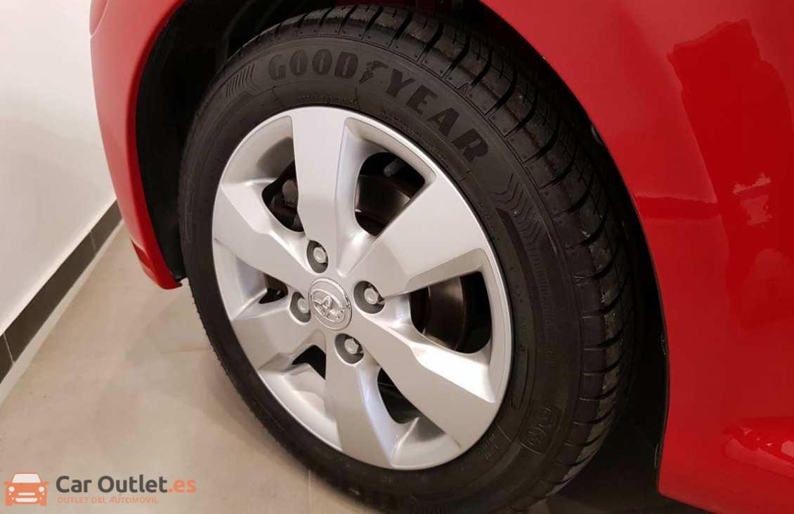 6 - Toyota Aygo 2012 - AUTO