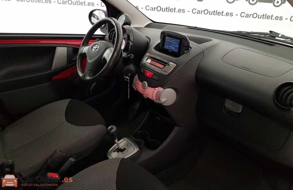 9 - Toyota Aygo 2012 - AUTO