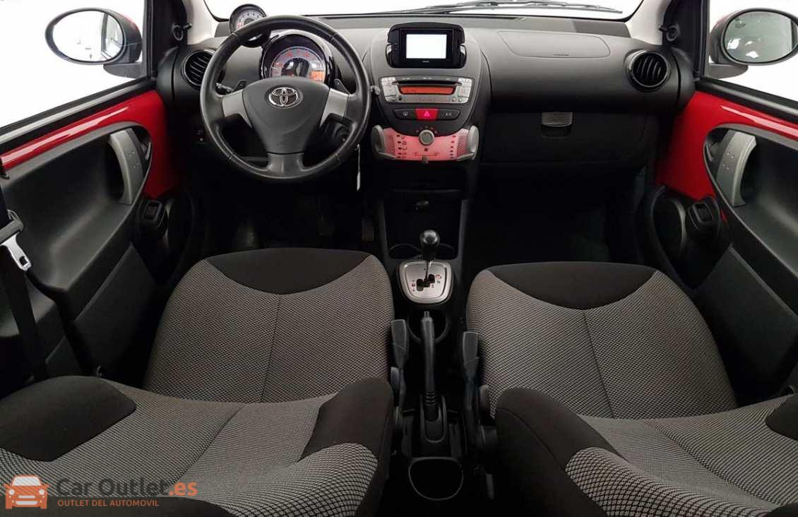 10 - Toyota Aygo 2012 - AUTO