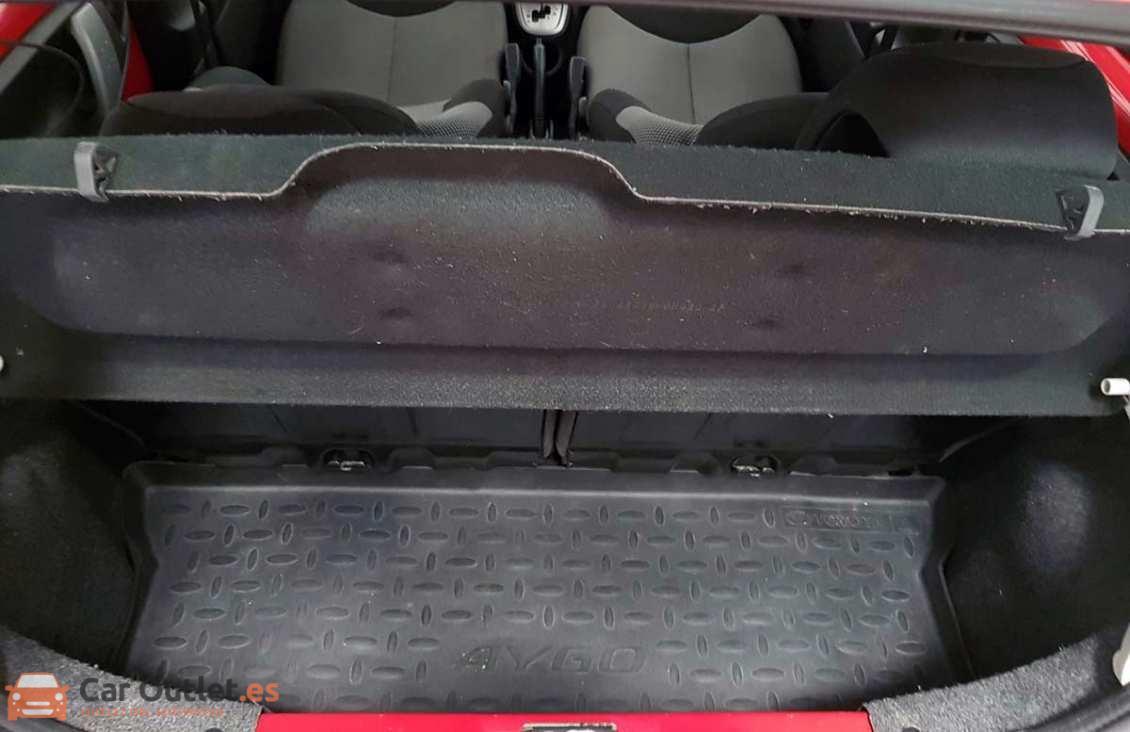 11 - Toyota Aygo 2012 - AUTO