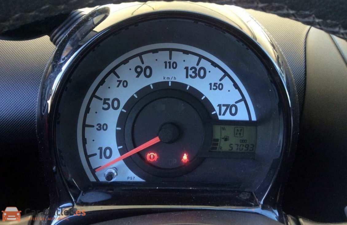 12 - Toyota Aygo 2012 - AUTO