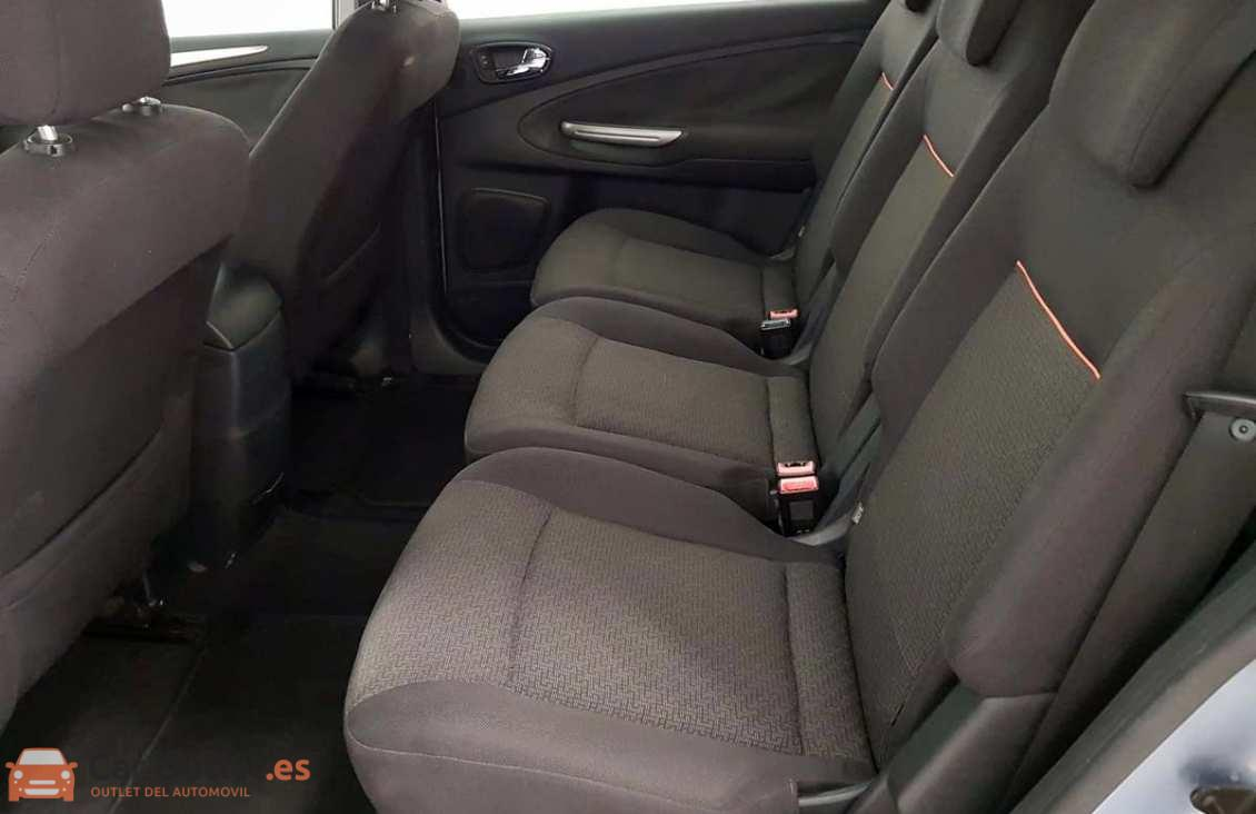 5 - Ford S-Max 2006