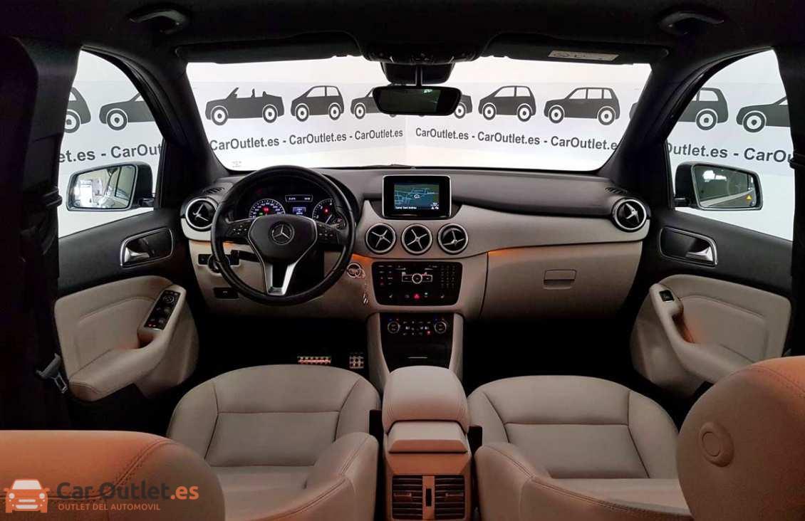 9 - Mercedes B Class 2013 - AUTO
