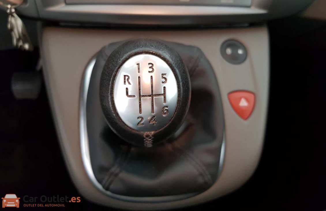7 - Renault Grand Scenic 2008