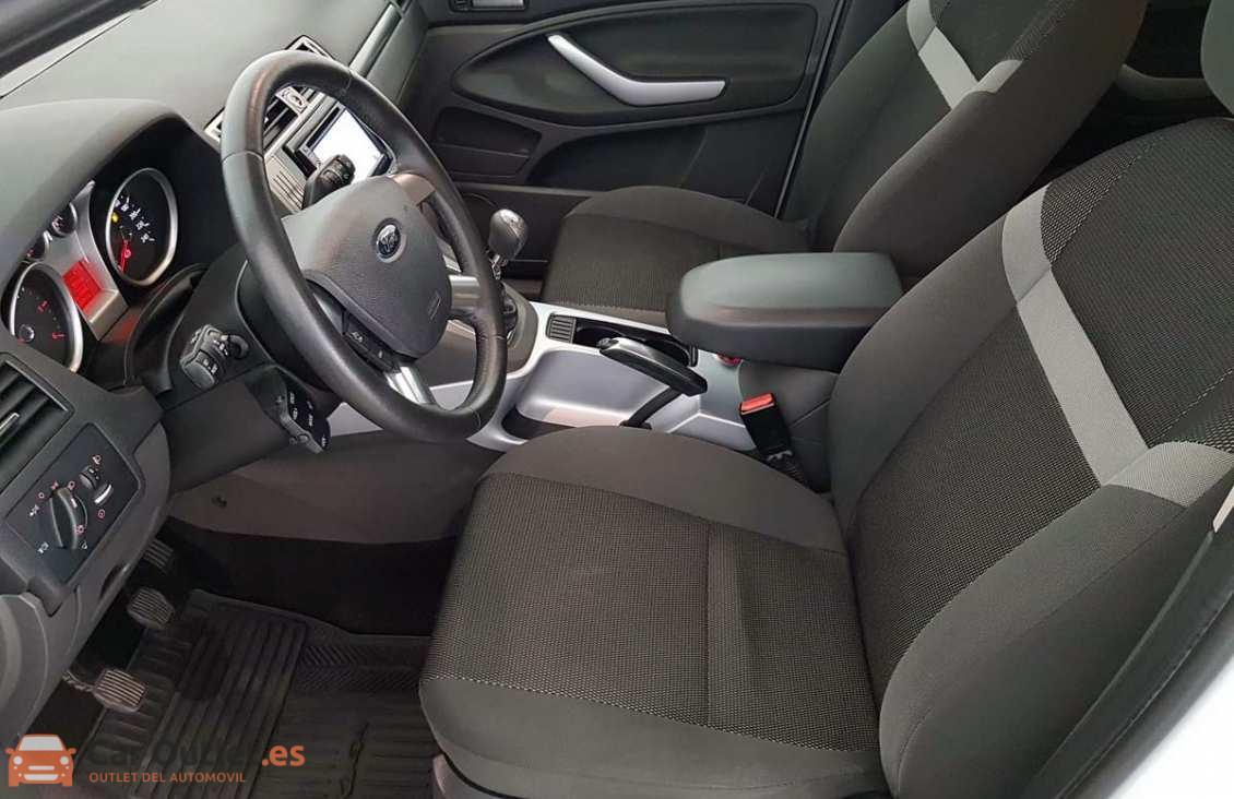 6 - Ford Kuga 2011