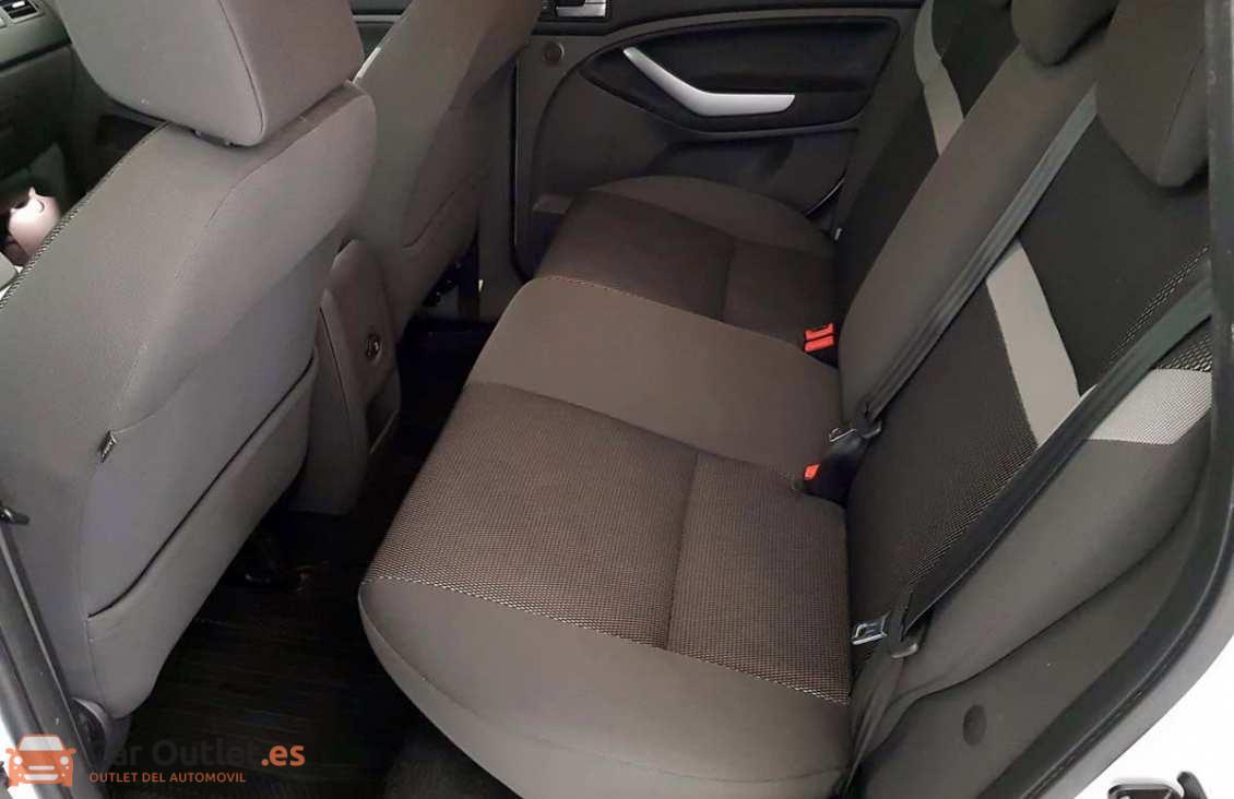 7 - Ford Kuga 2011