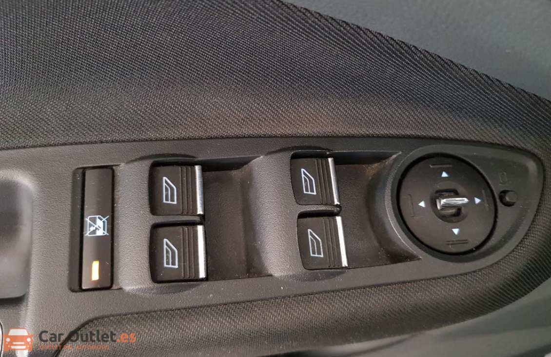 16 - Ford CMax 2014