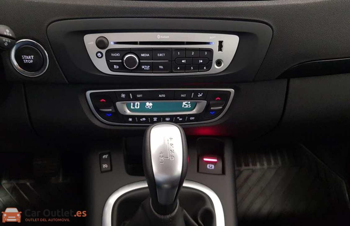 14 - Renault Scenic 2014 - AUTO