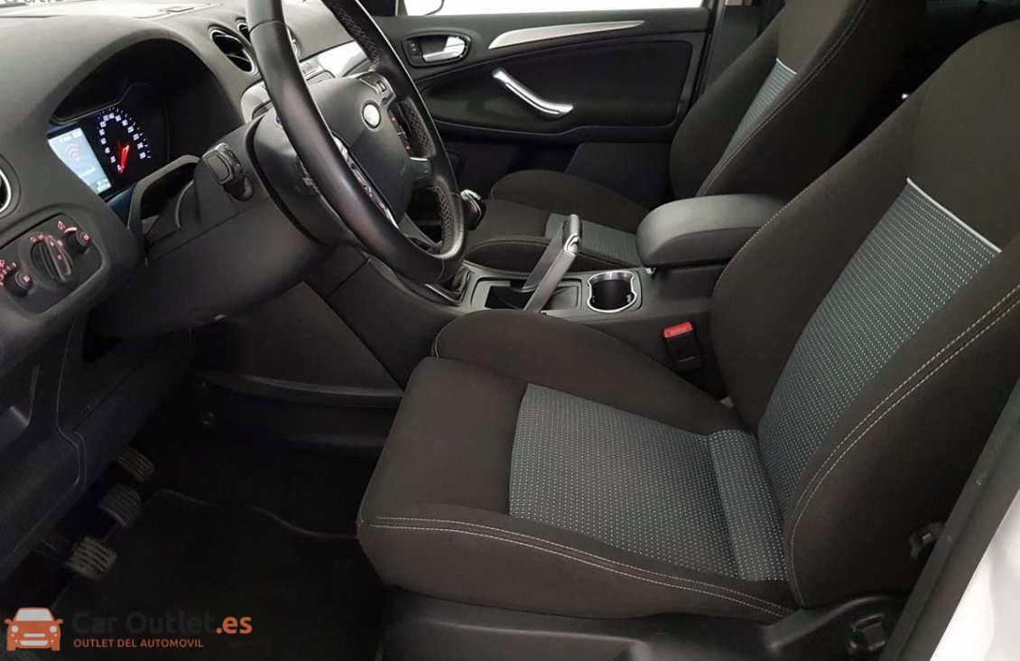 6 - Ford S-Max 2015