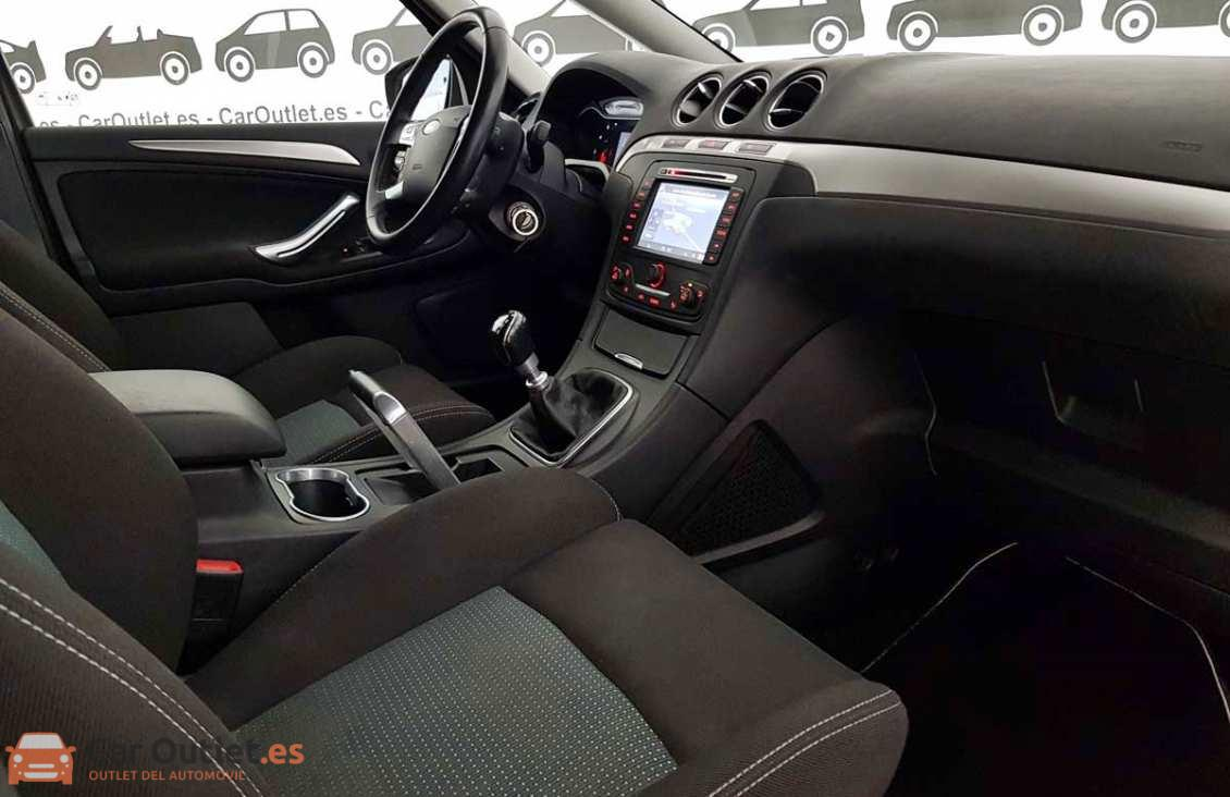 9 - Ford S-Max 2015