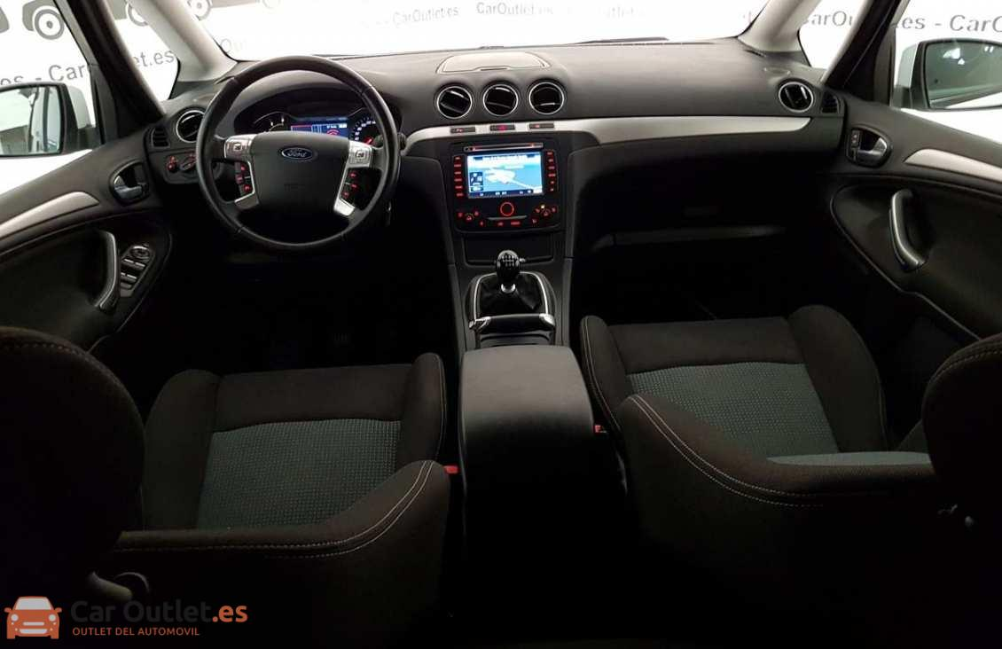 22 - Ford S-Max 2015