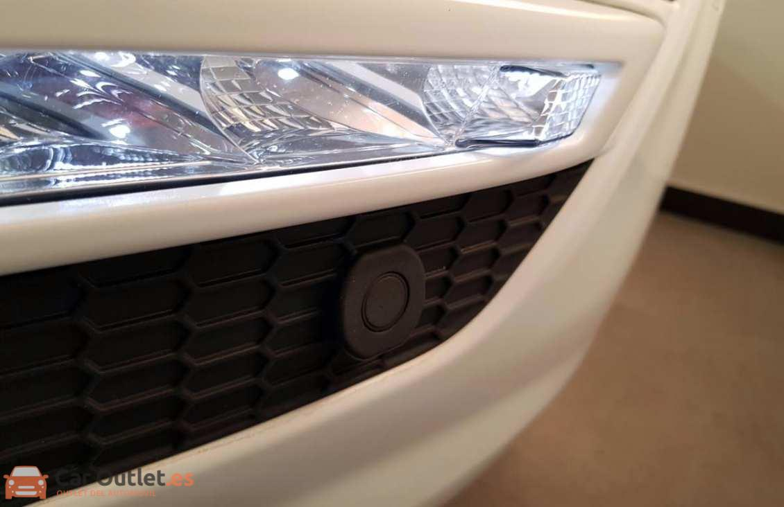 25 - Ford S-Max 2015