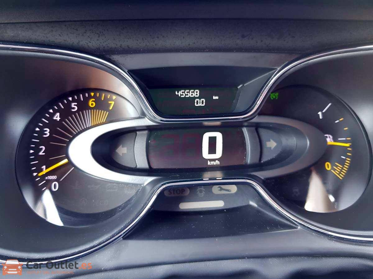 15 - Renault Captur 2014