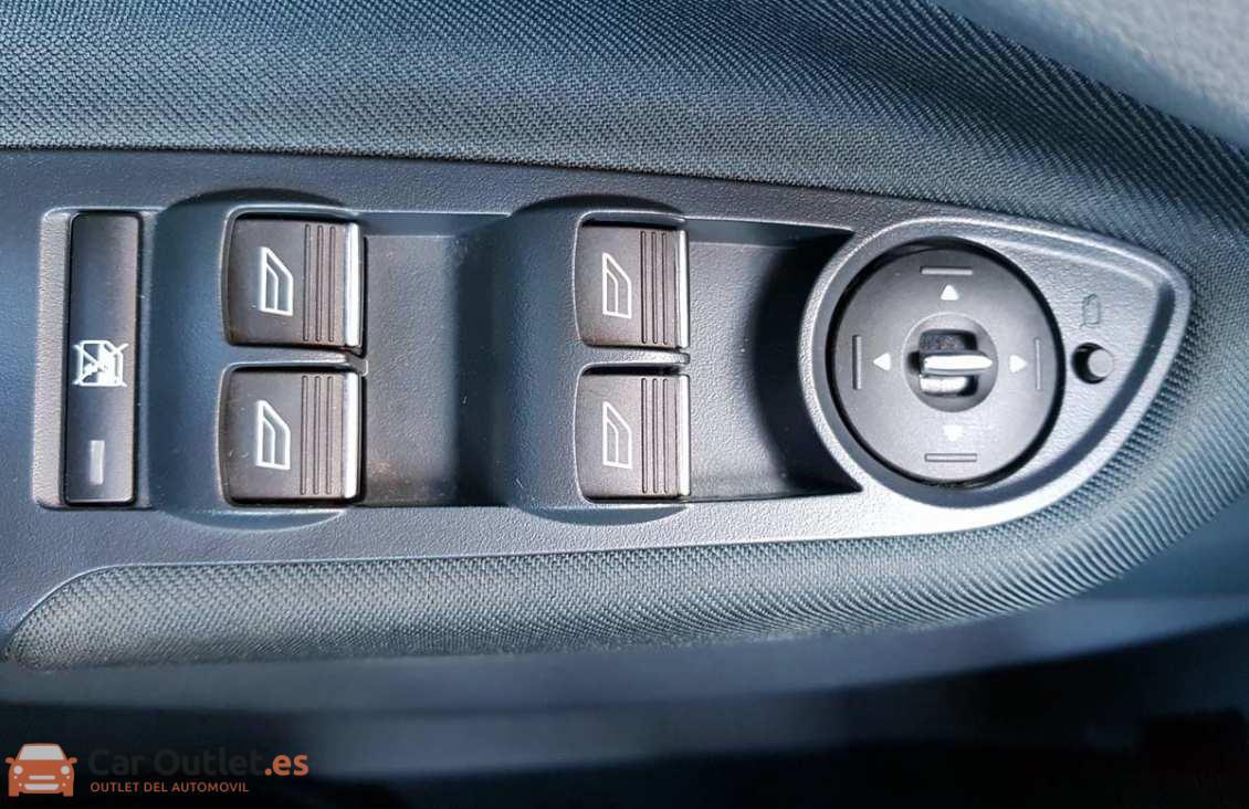 15 - Ford CMax 2011