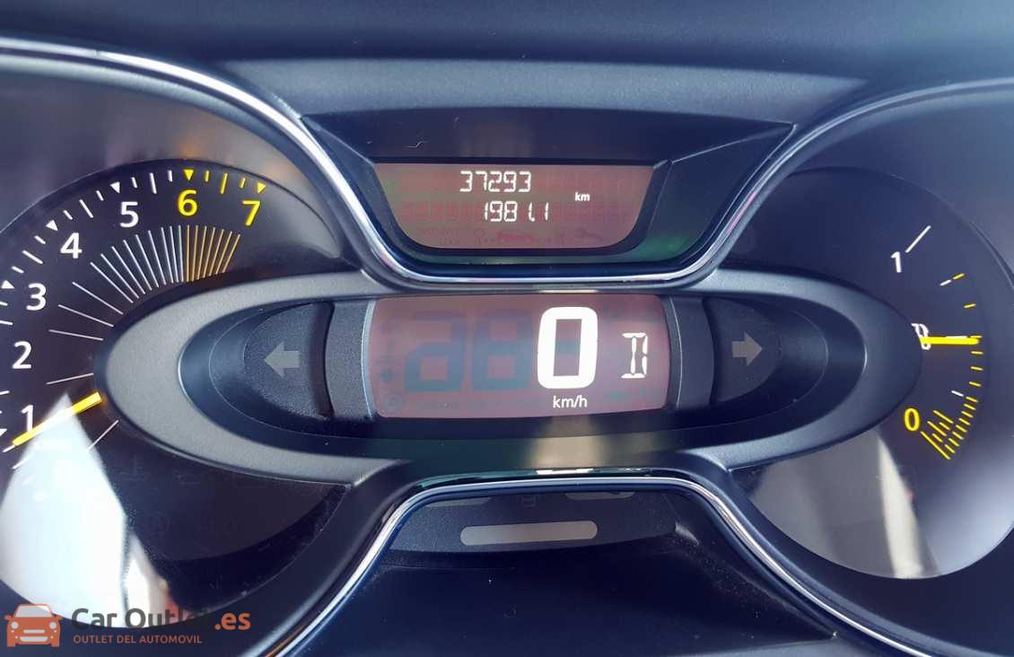 10 - Renault Captur 2015 - AUTO