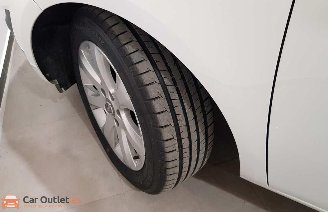 7 - Opel Meriva 2012