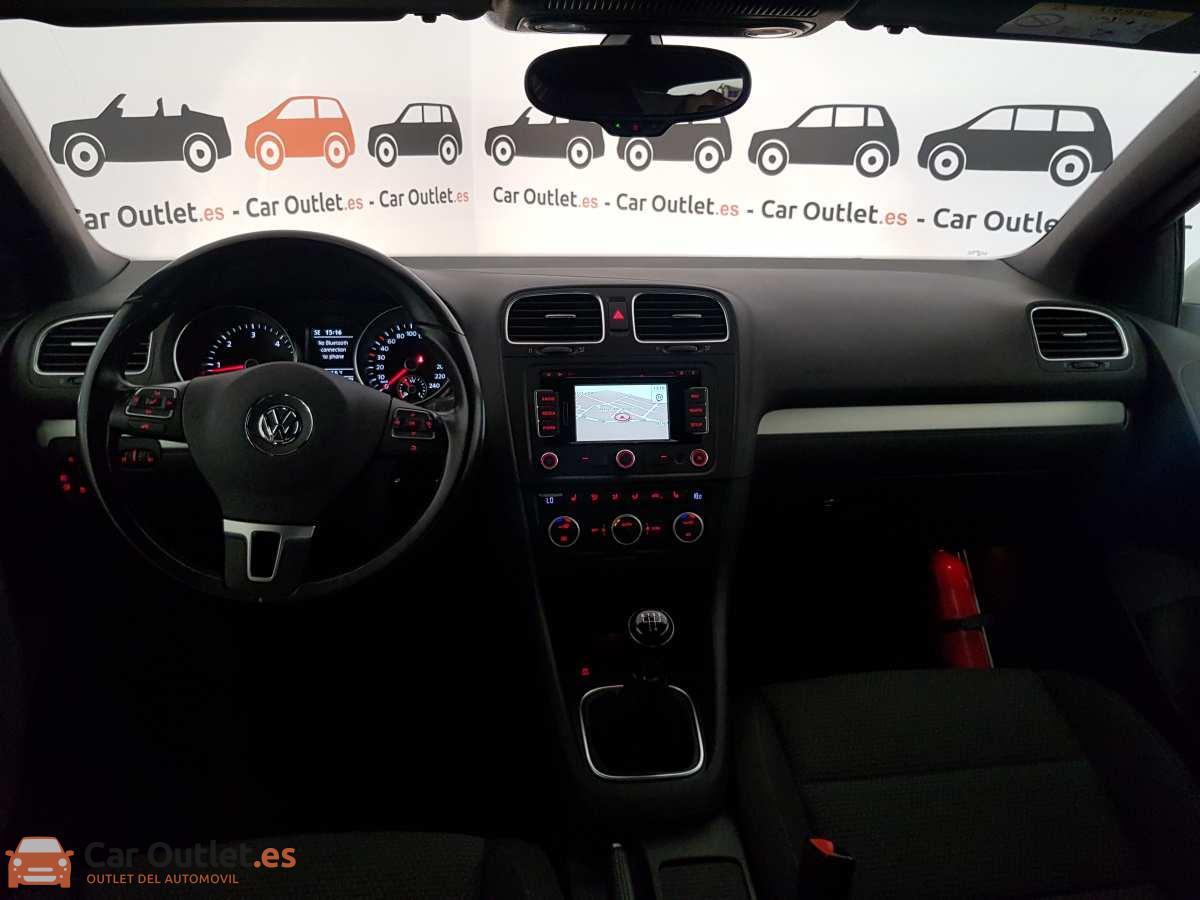 22 - Volkswagen Golf 2015 - CABRIO