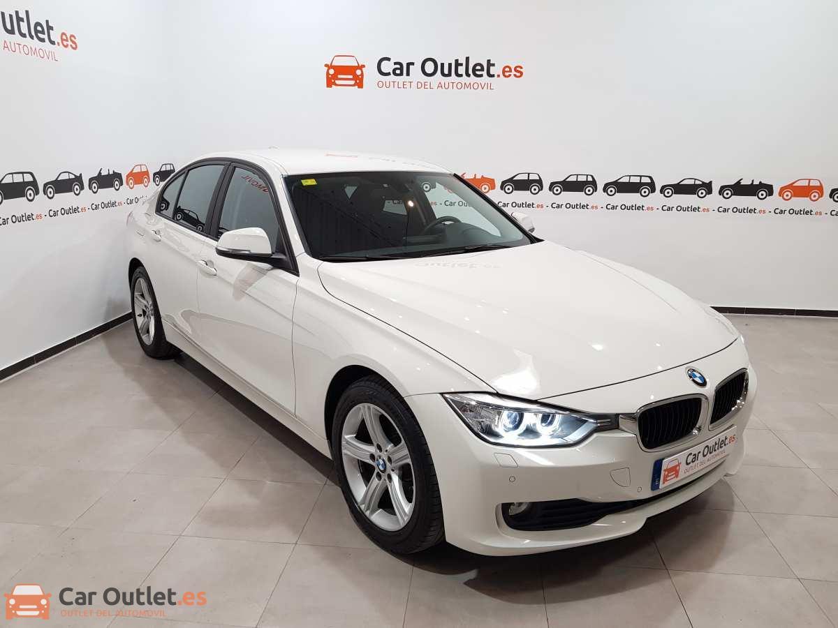 2 - BMW 318 2014 - AUTO