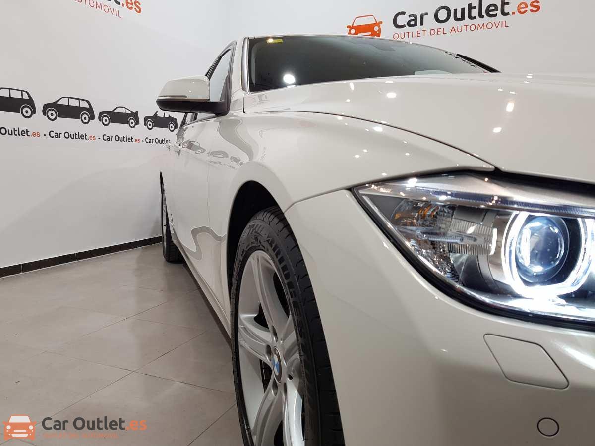 3 - BMW 318 2014 - AUTO