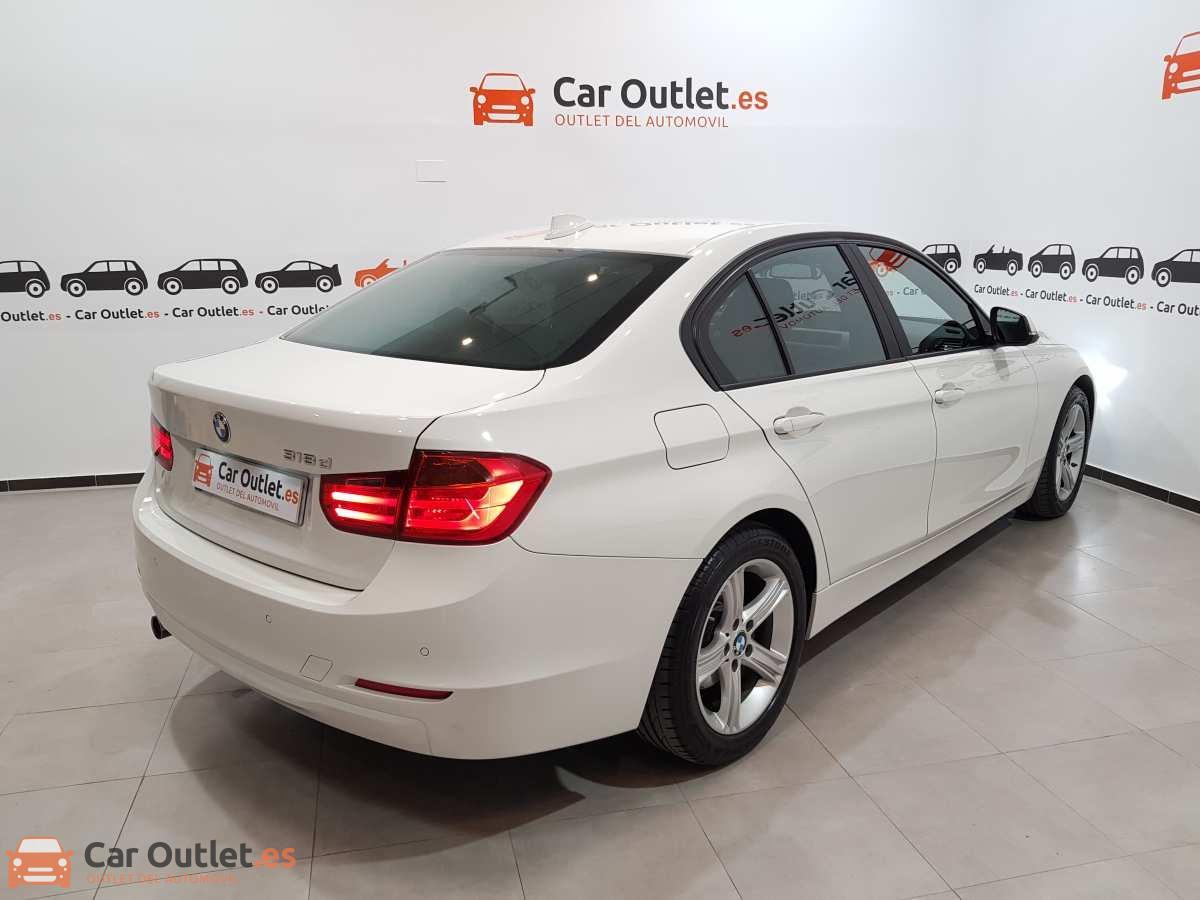 4 - BMW 318 2014 - AUTO