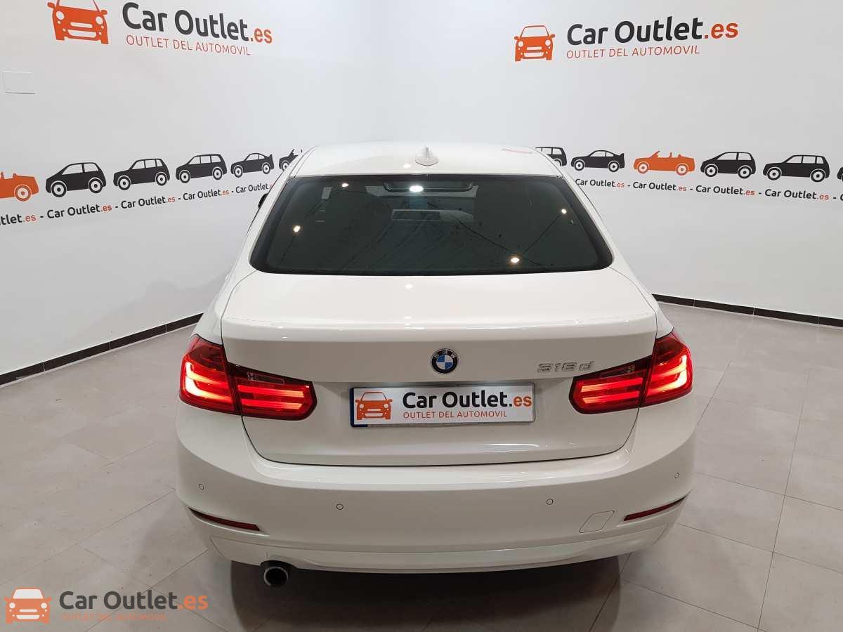 5 - BMW 318 2014 - AUTO
