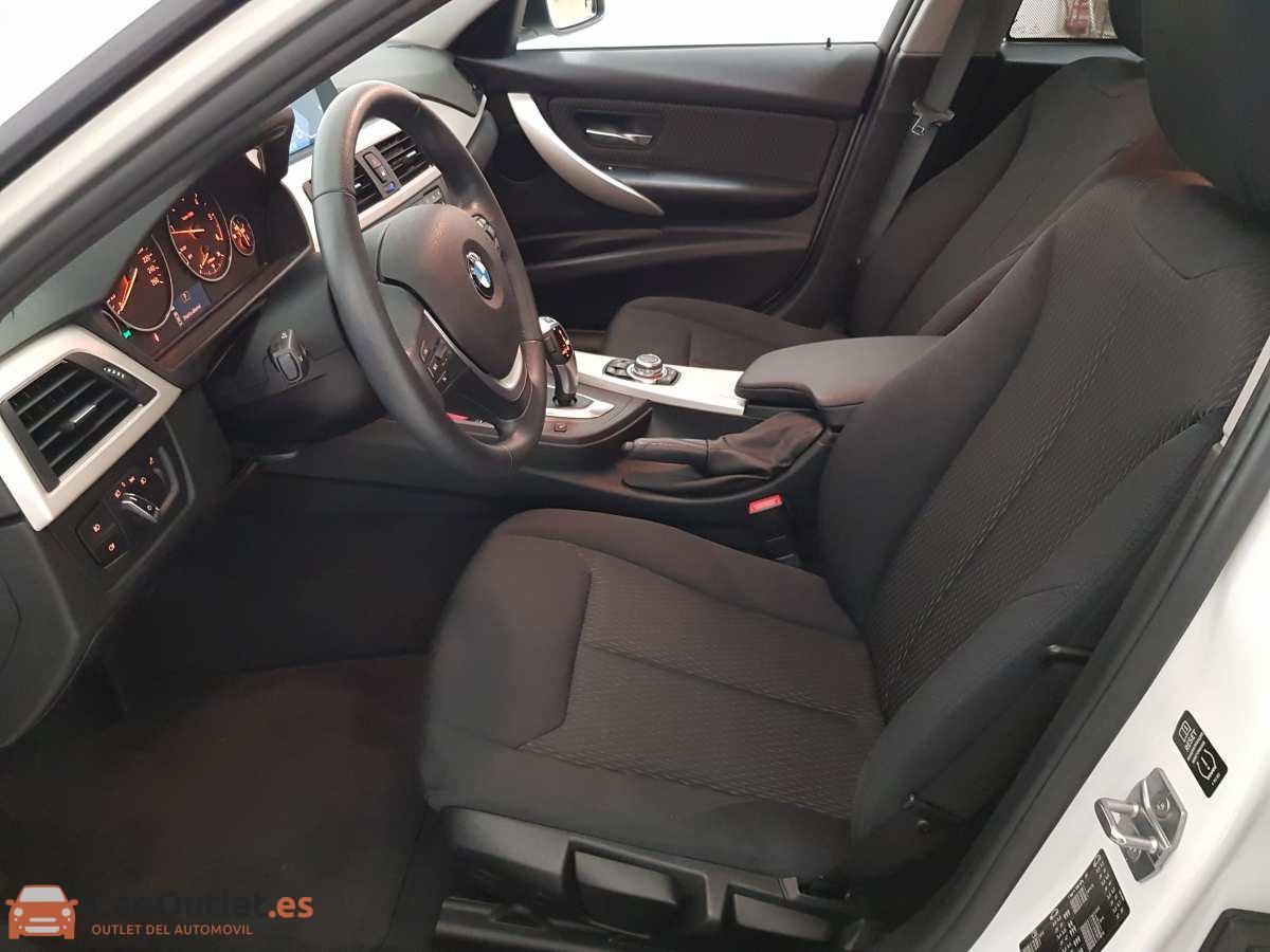 8 - BMW 318 2014 - AUTO