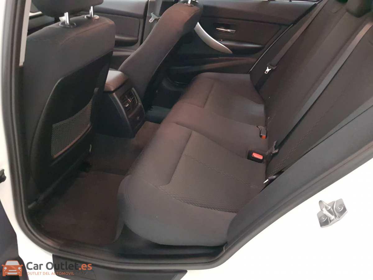 9 - BMW 318 2014 - AUTO