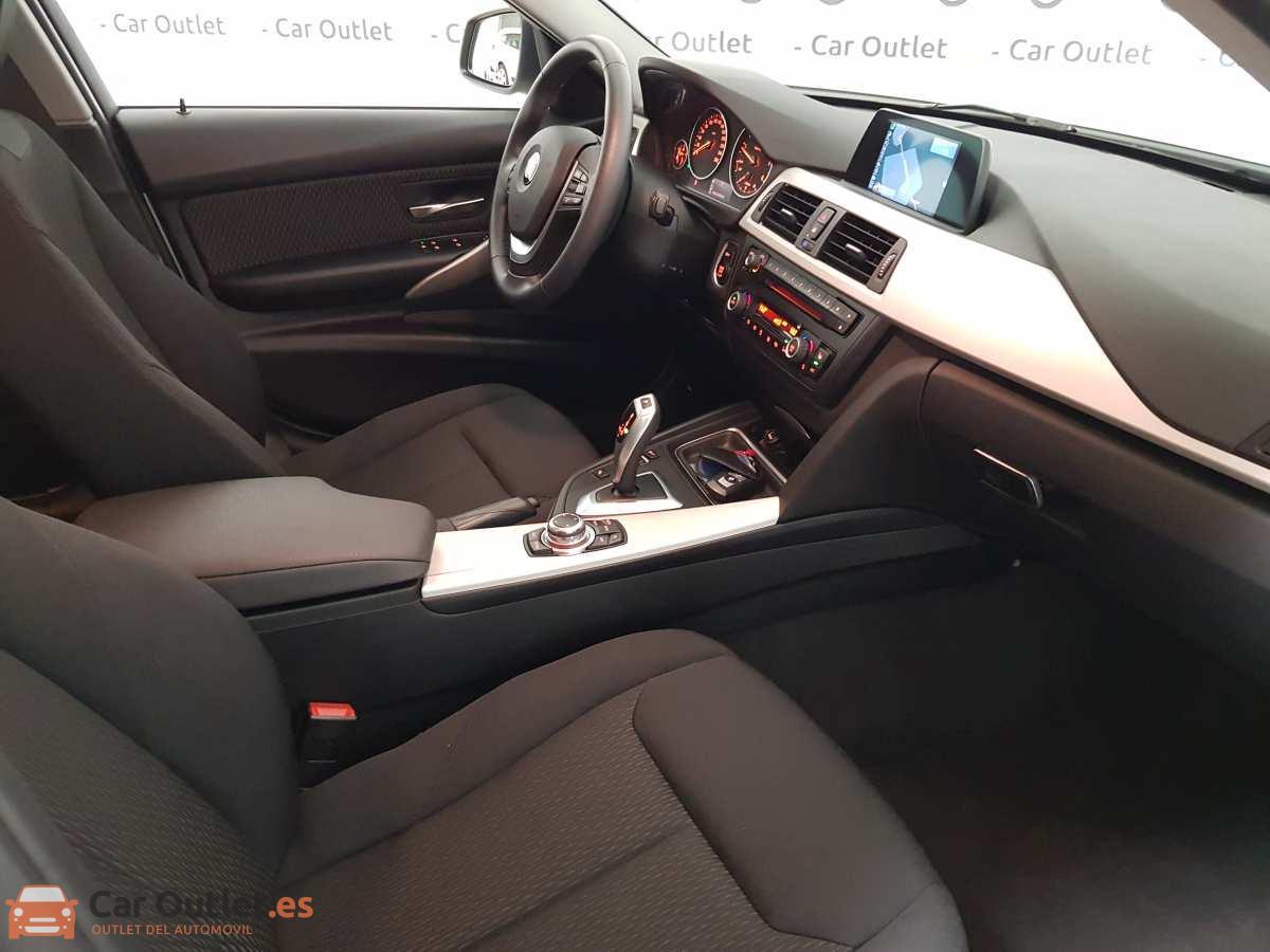 12 - BMW 318 2014 - AUTO