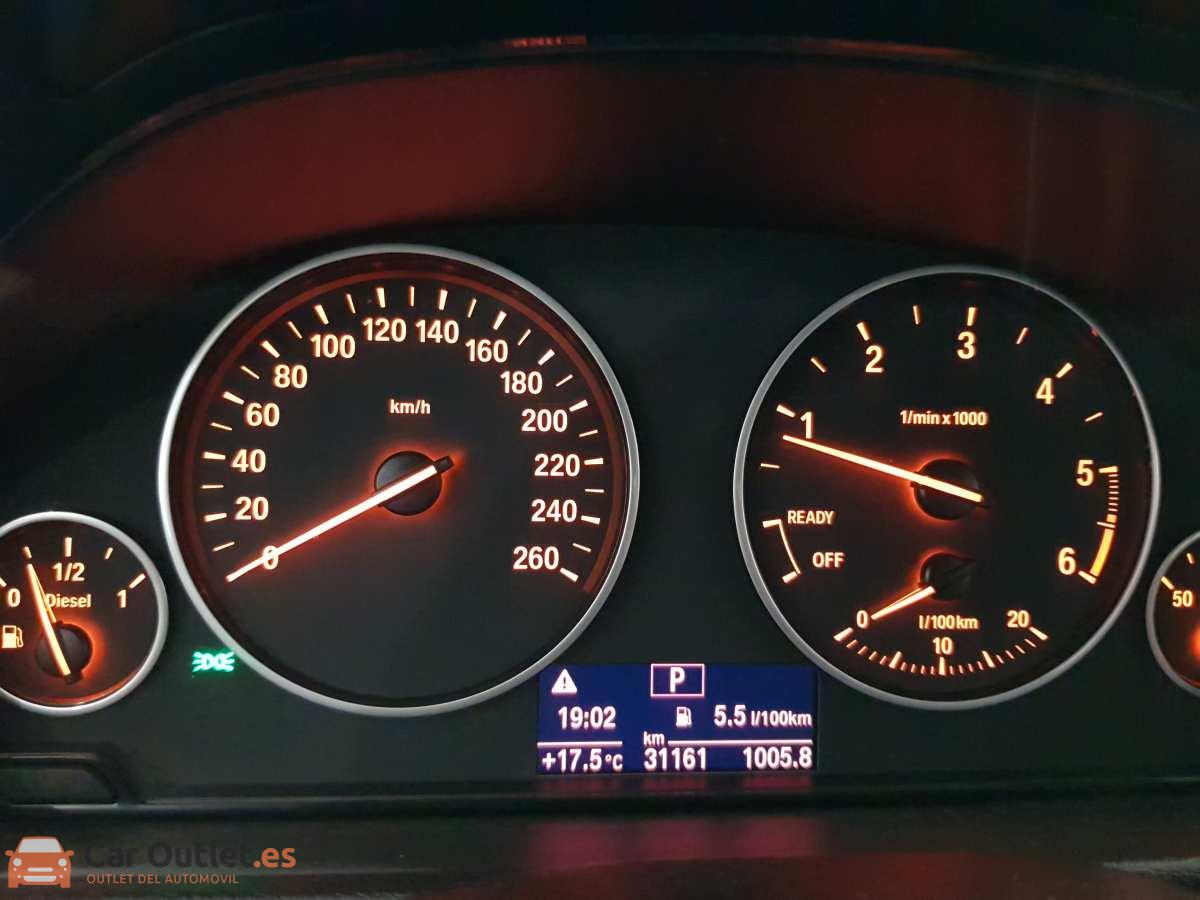 14 - BMW 318 2014 - AUTO