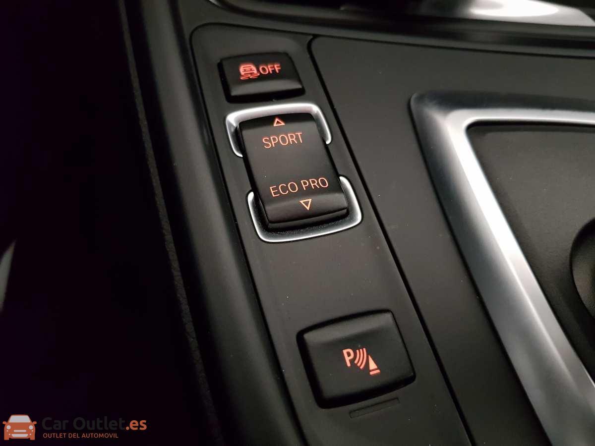 23 - BMW 318 2014 - AUTO