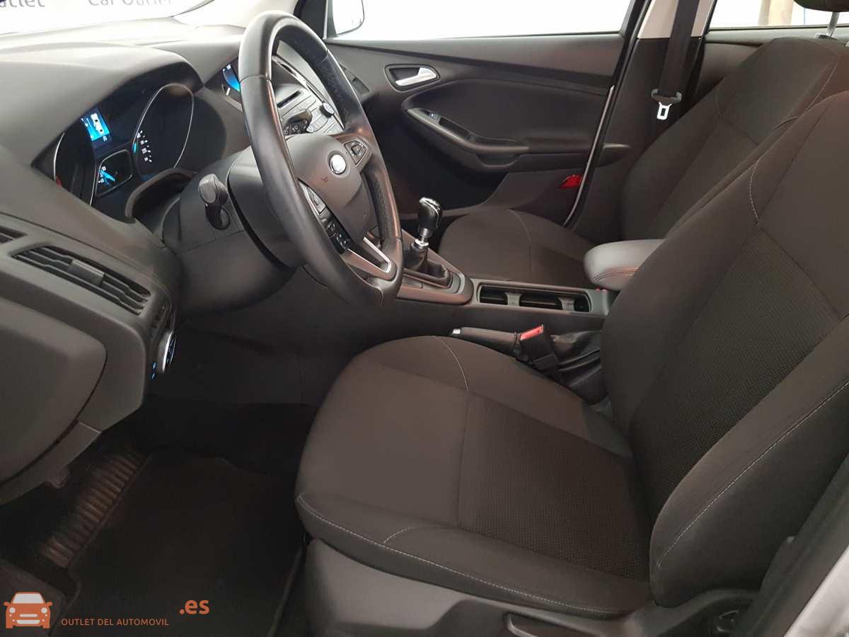 6 - Ford Focus 2016