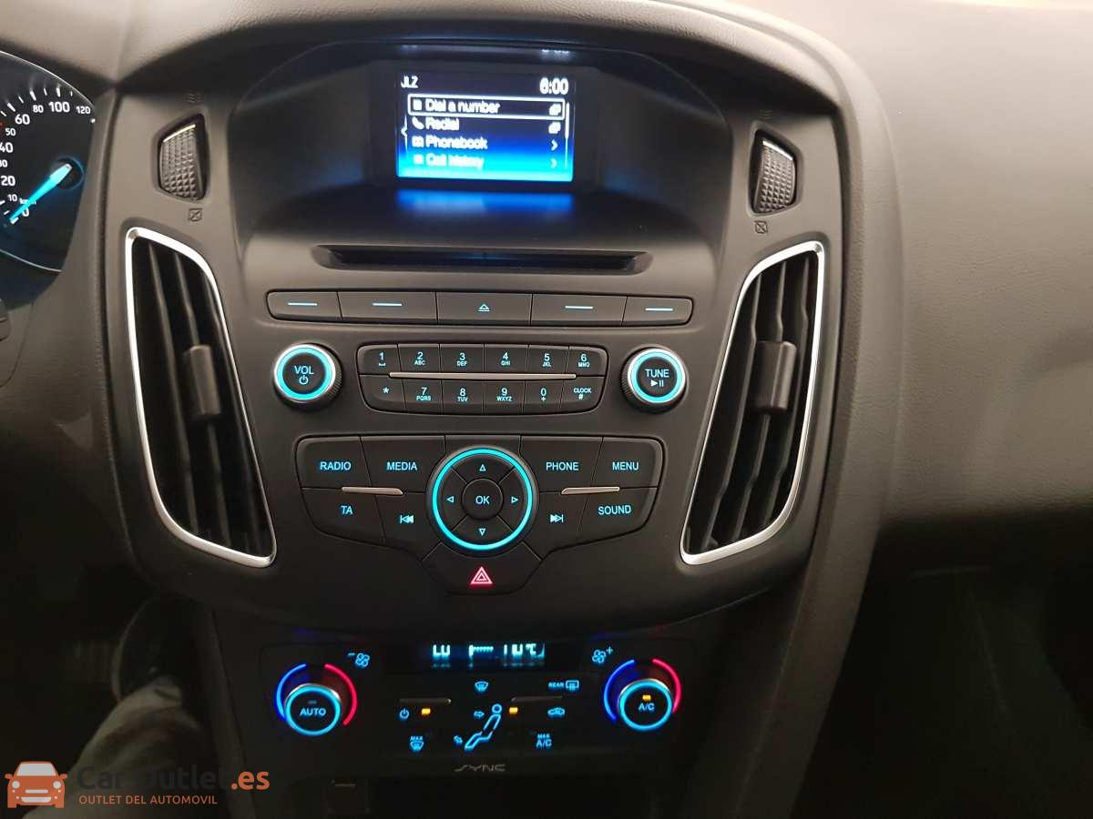 11 - Ford Focus 2016