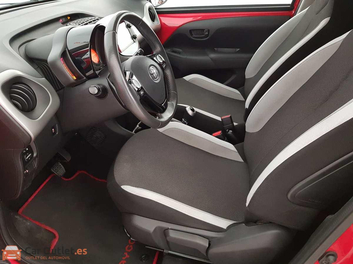 8 - Toyota Aygo 2015 - AUTO