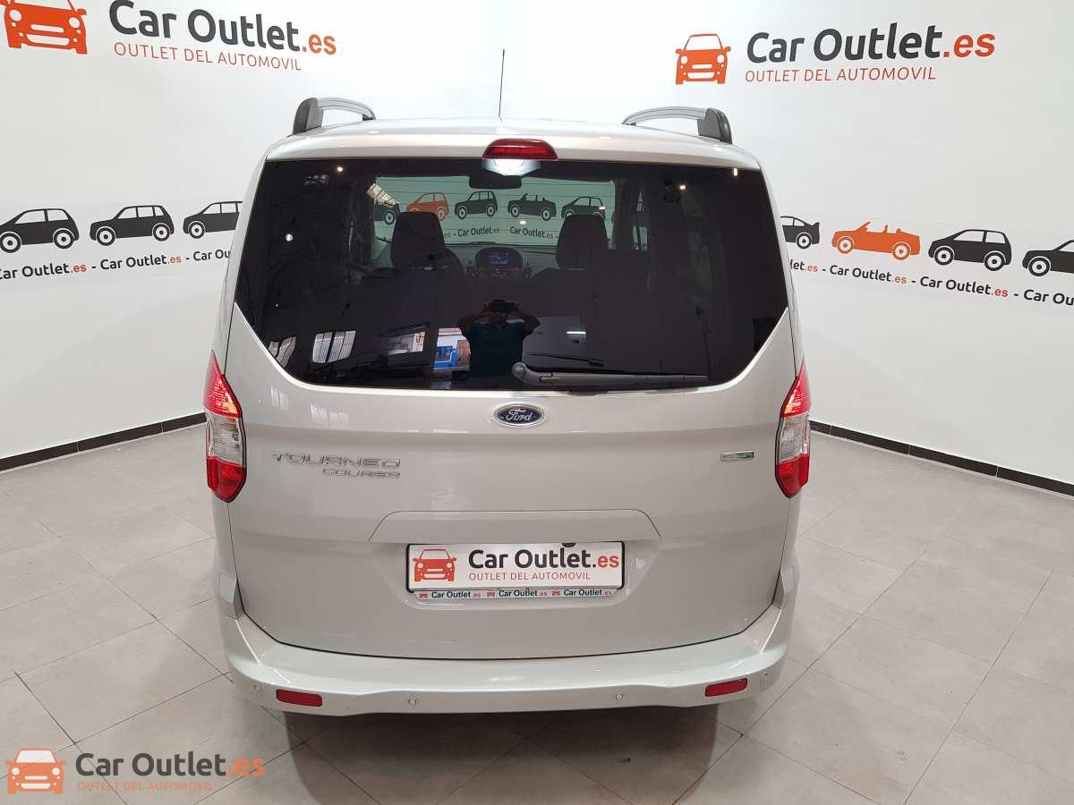4 - Ford Tourneo Courier 2017