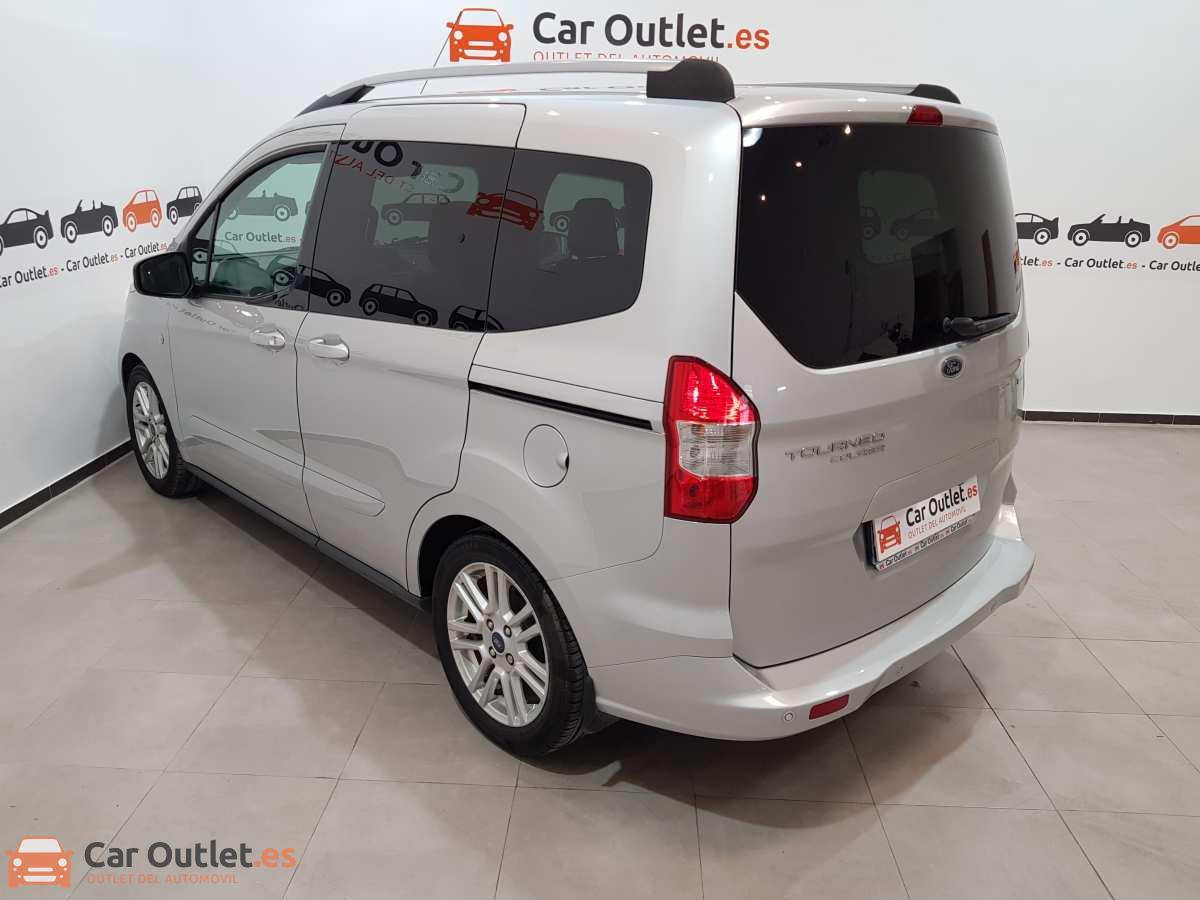 5 - Ford Tourneo Courier 2017