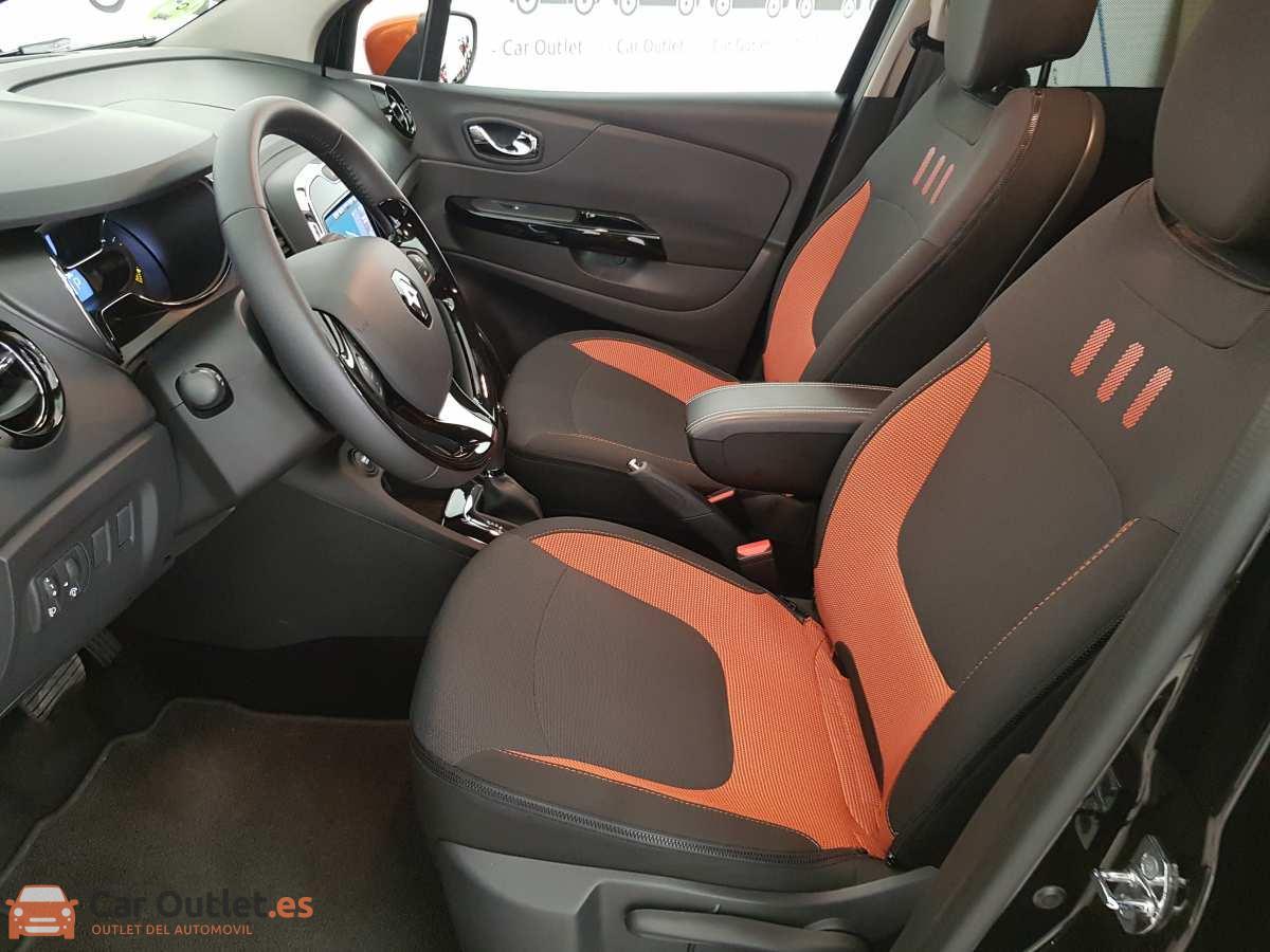 6 - Renault Captur 2015 - AUTO