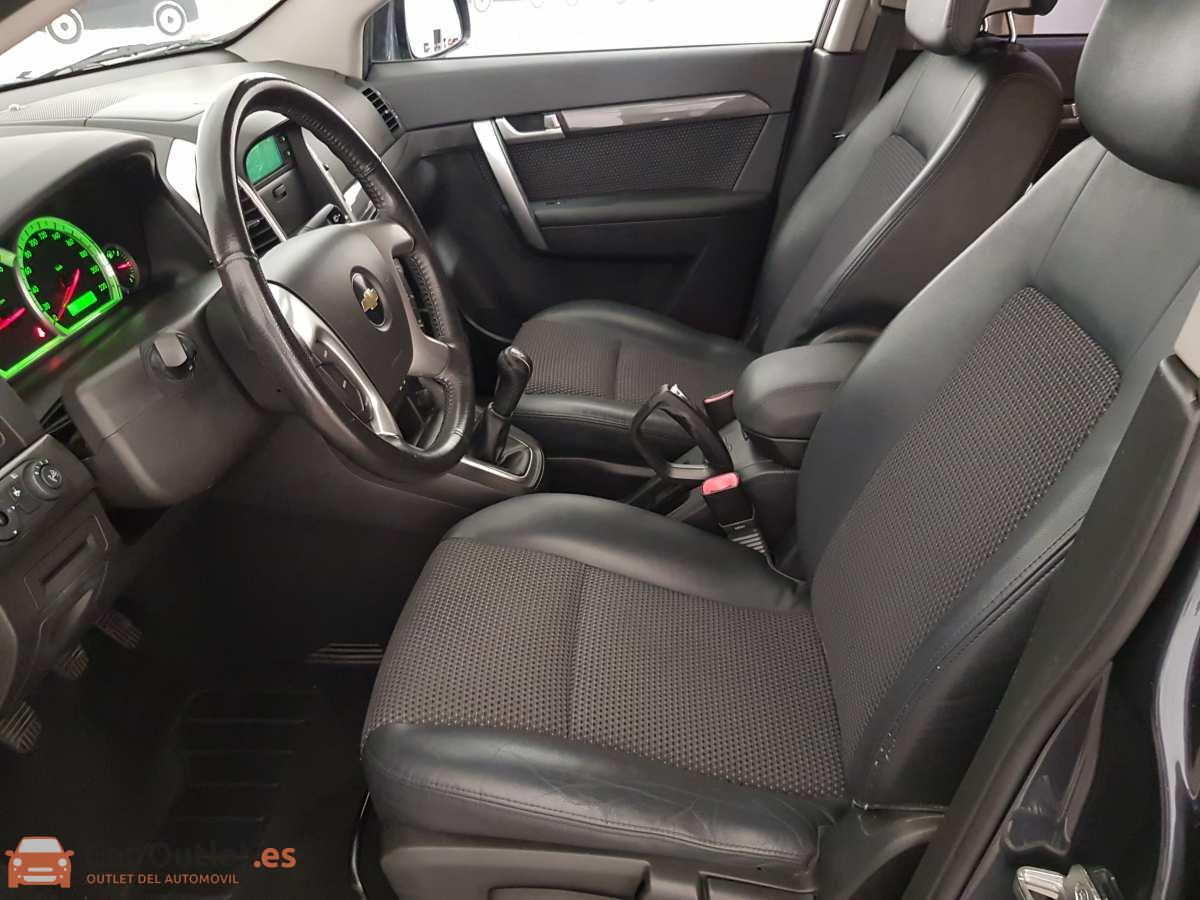 8 - Chevrolet Captiva 2010