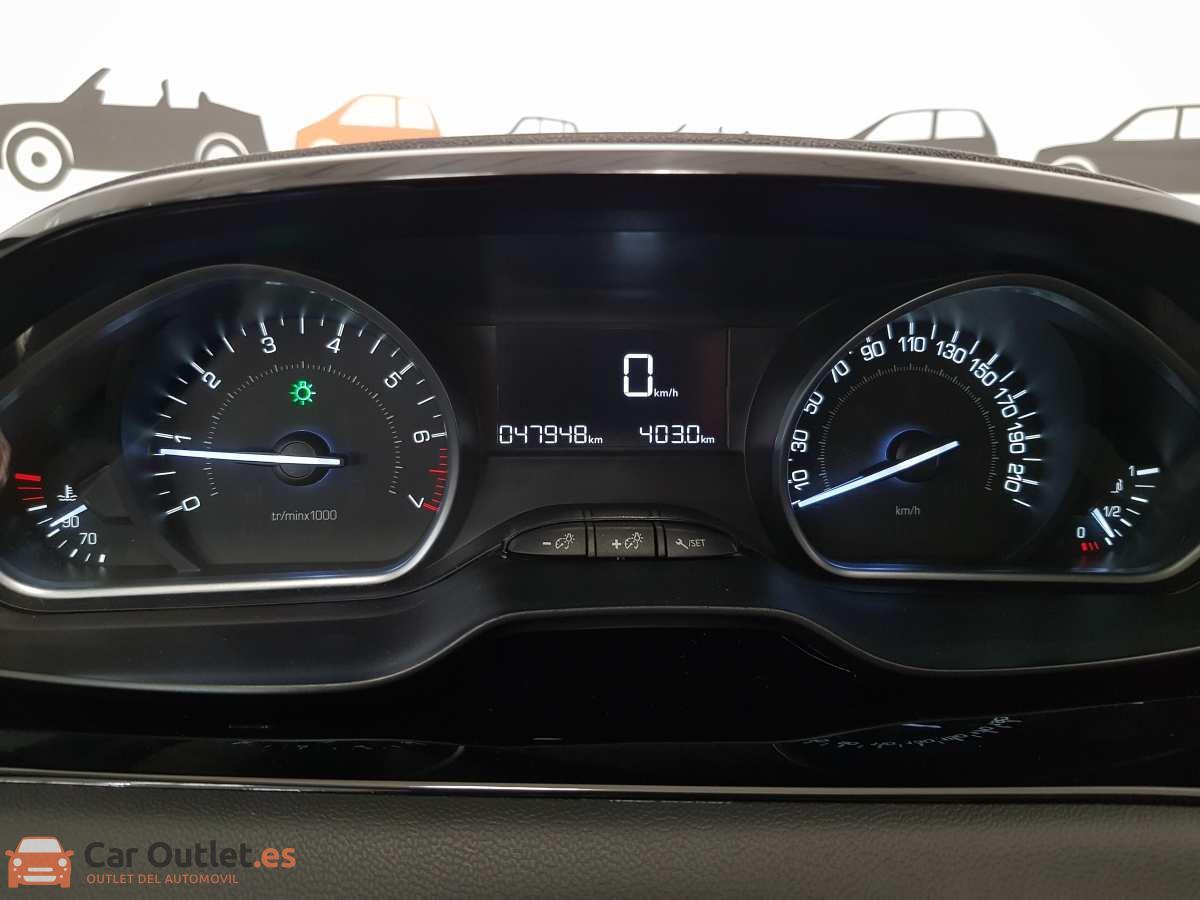 13 - Peugeot 208 2015