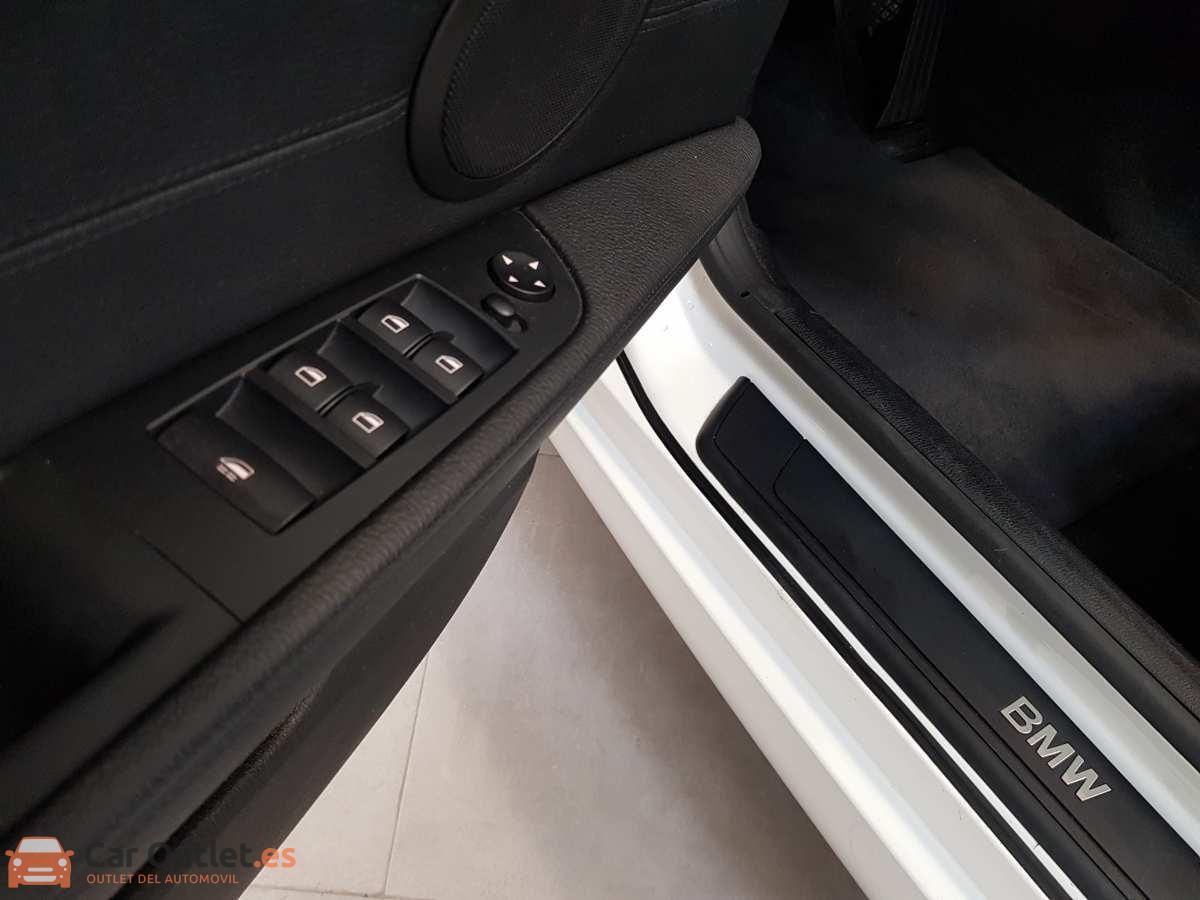 15 - BMW Z4 2013 - AUTO - CABRIO