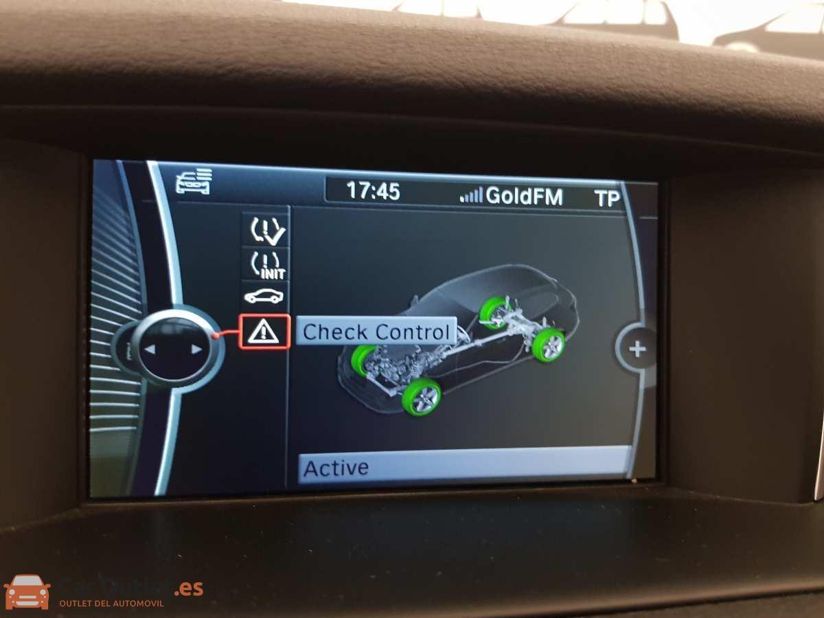 18 - BMW X1 2015 - AUTO