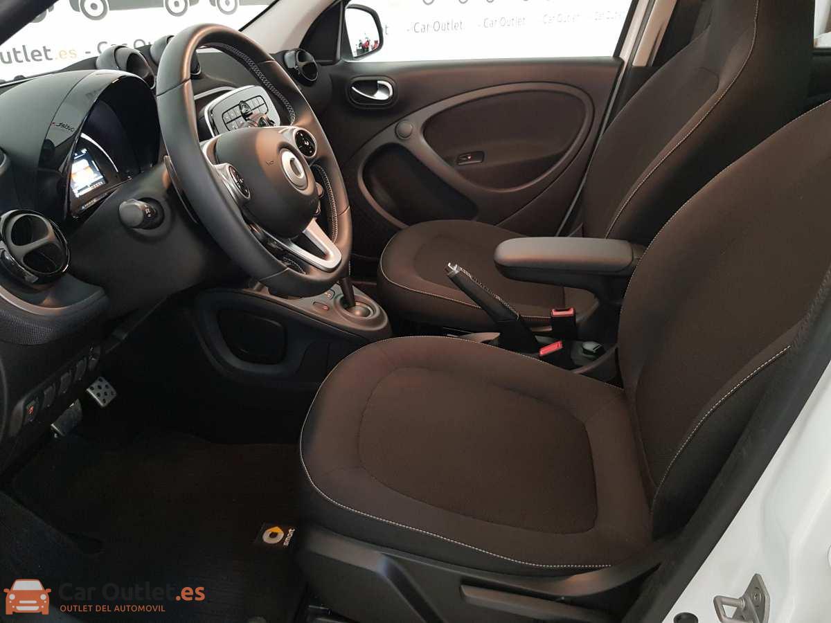 8 - Smart Forfour 2019 - AUTO