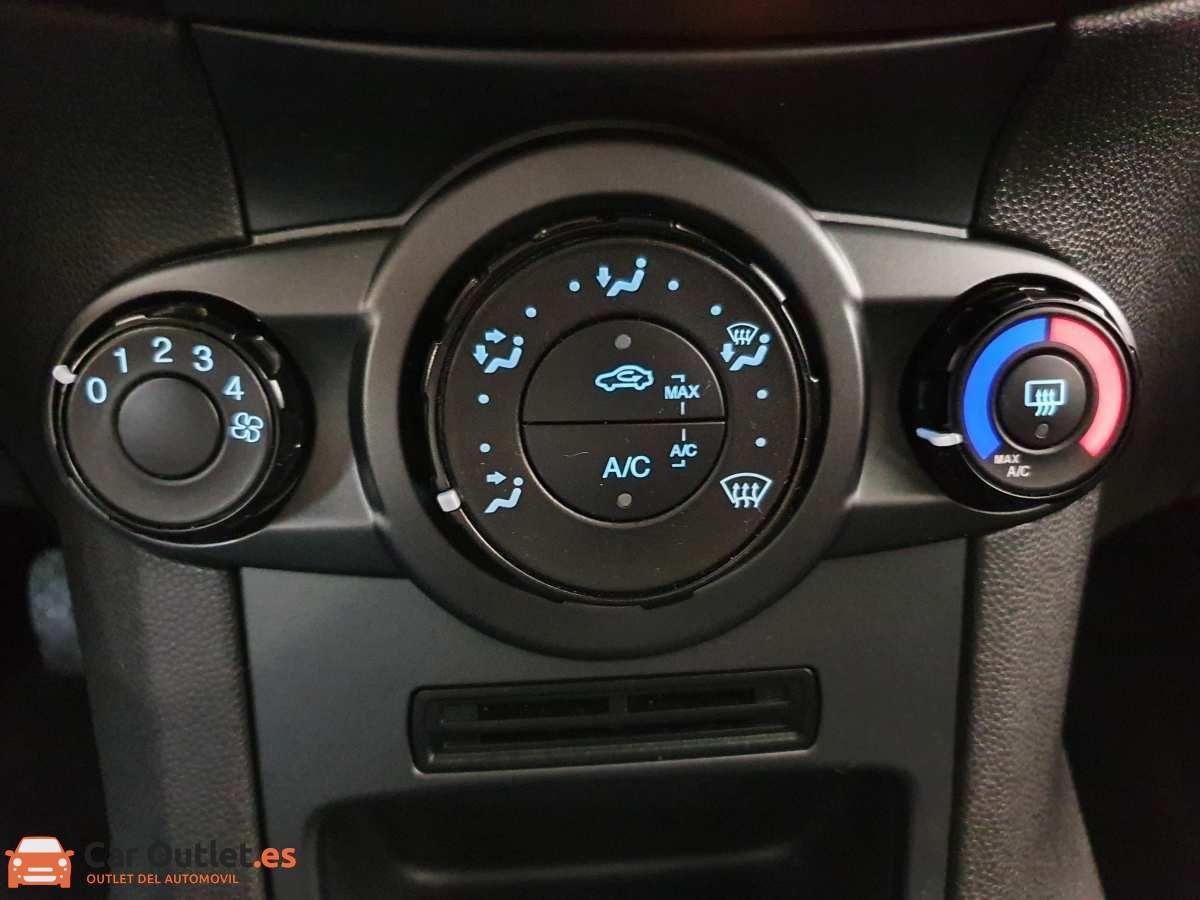 19 - Ford Fiesta 2016