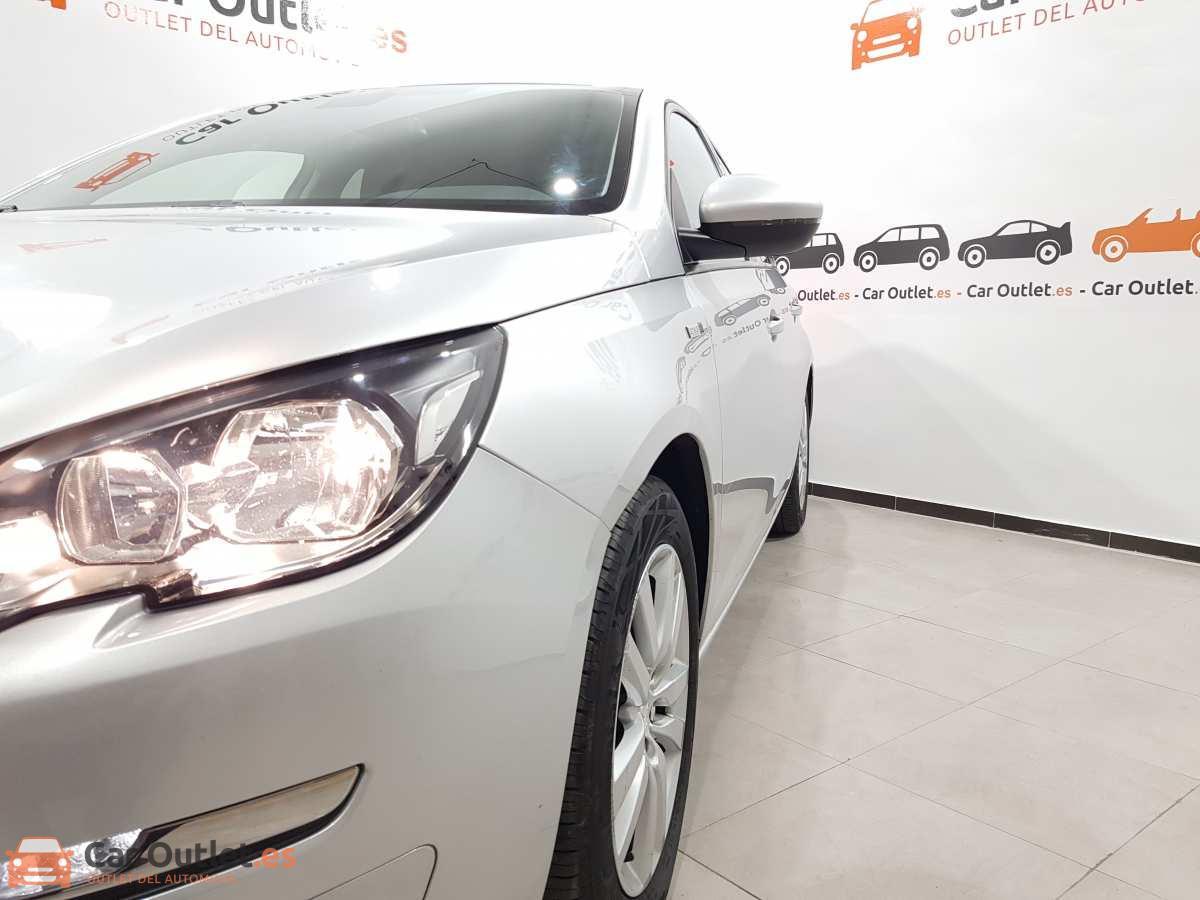 4 - Peugeot 308 2017 - AUTO
