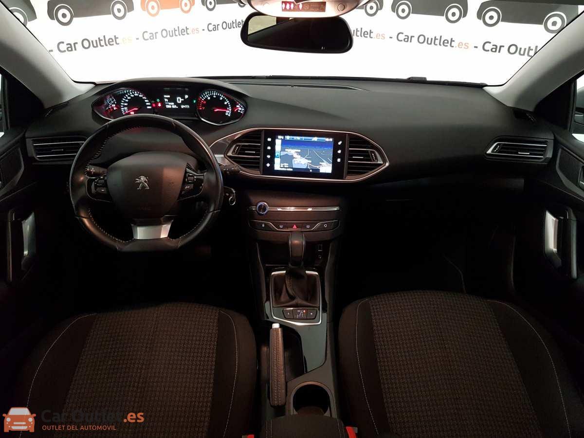 12 - Peugeot 308 2017 - AUTO
