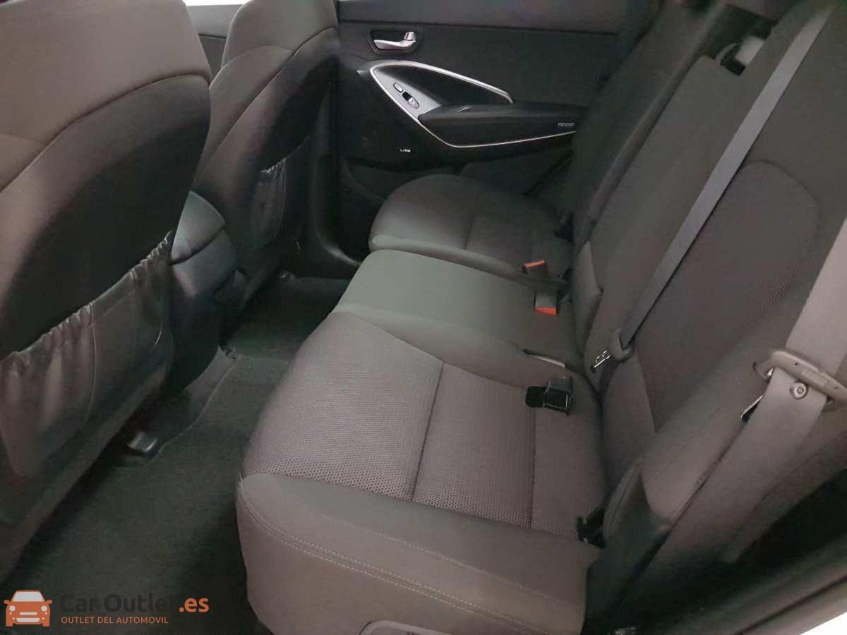 14 - Hyundai Santa Fe 2018