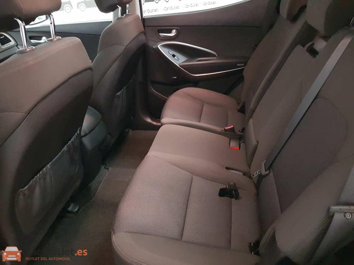 16 - Hyundai Santa Fe 2018