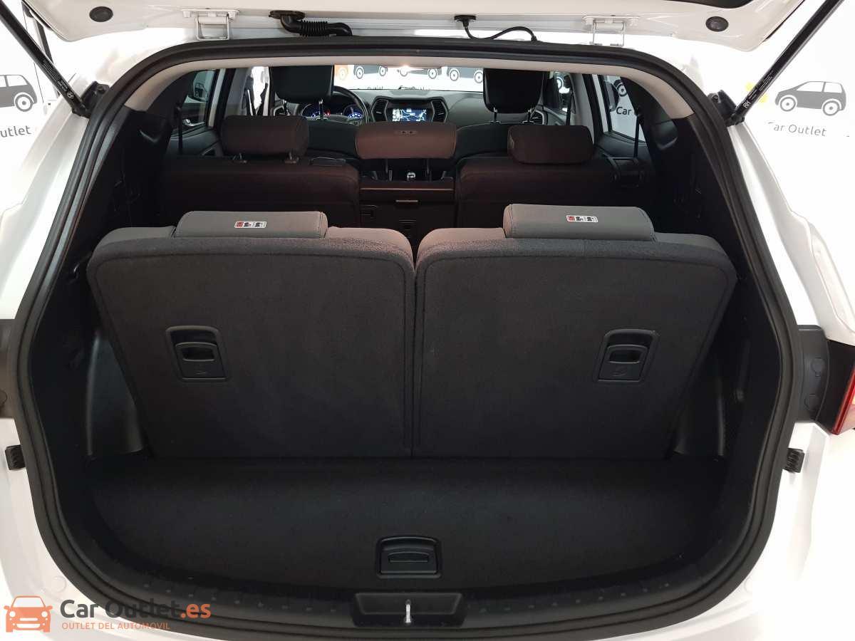 33 - Hyundai Santa Fe 2018
