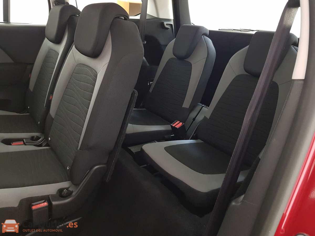 12 - Citroen Grand C4 Picasso 2014 - AUTO
