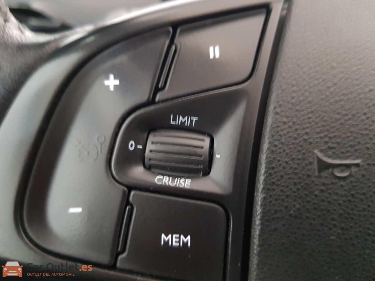 17 - Citroen Grand C4 Picasso 2014 - AUTO
